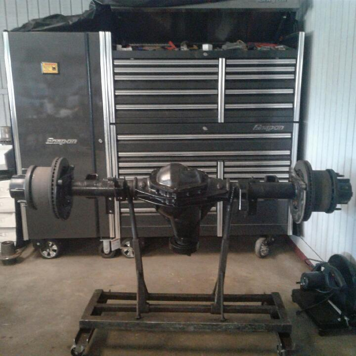 Rebuilt Chevy Silverado 3500 Rear Axle Assembly