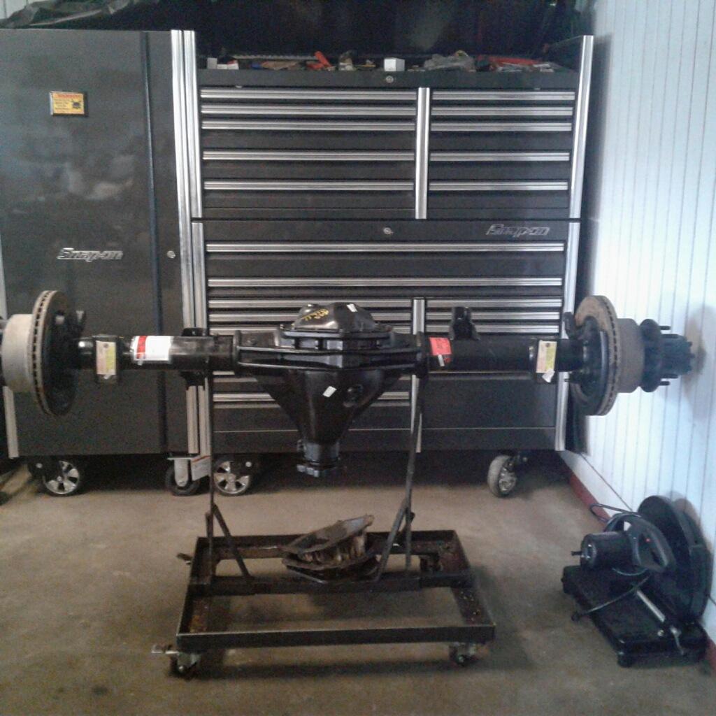 Rebuilt Dodge D3500 Rear Axle Assembly
